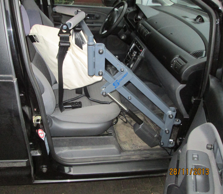 Modernistyczne Samochody typu VAN | Adaptacja – przystosowanie samochodu dla osób PR12